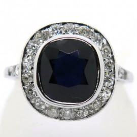 Bague ancienne en platine et saphir entouré de diamants 2172