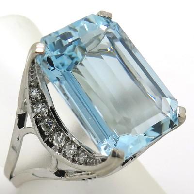 STERN - Bague aigue-marine diamants en or blanc 2203