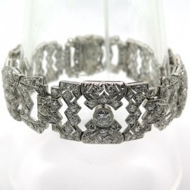 Haute Joaillerie ancienne - Bracelet art déco en platine et diamants 216