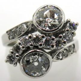 Bague ancienne Toi et Moi en diamants platine et or blanc 2241