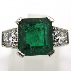 Bague émeraude diamants en épaulement or blanc 1082
