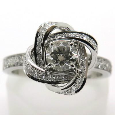 Bague BOUCHERON modèle Pivoine diamant monture or blanc 1747 - Vue de face