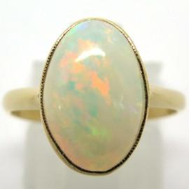 Opale – Bague en or et opale cabochon 1852