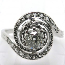 Bague ancienne monture tourbillon en platine et diamants – Tourbillon 1815