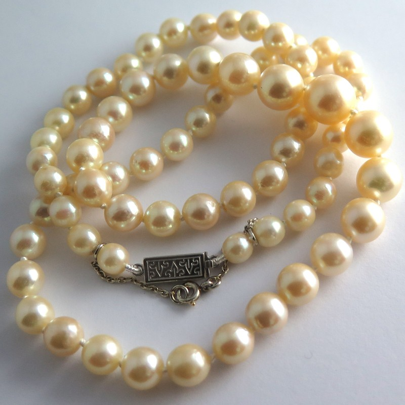 collier de perles de culture blanches 304 jardin du luxembourg. Black Bedroom Furniture Sets. Home Design Ideas